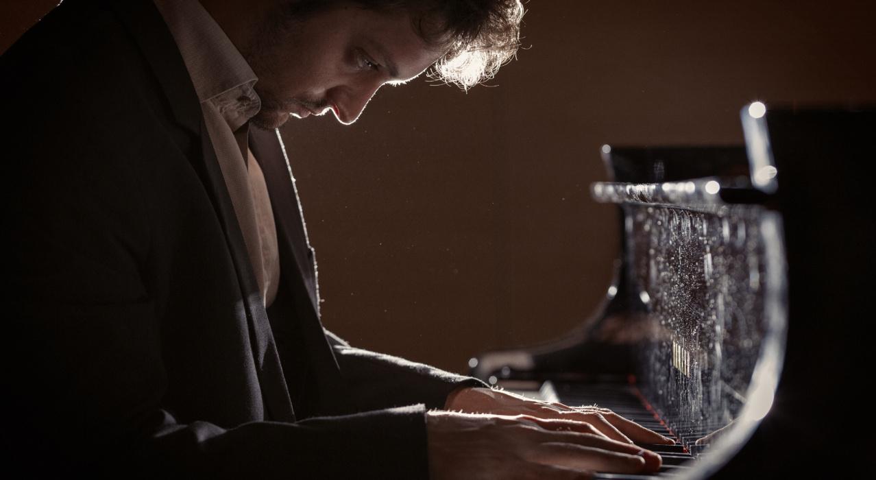 concerti bologna 2021 - Enrico zanisi- pianoforte