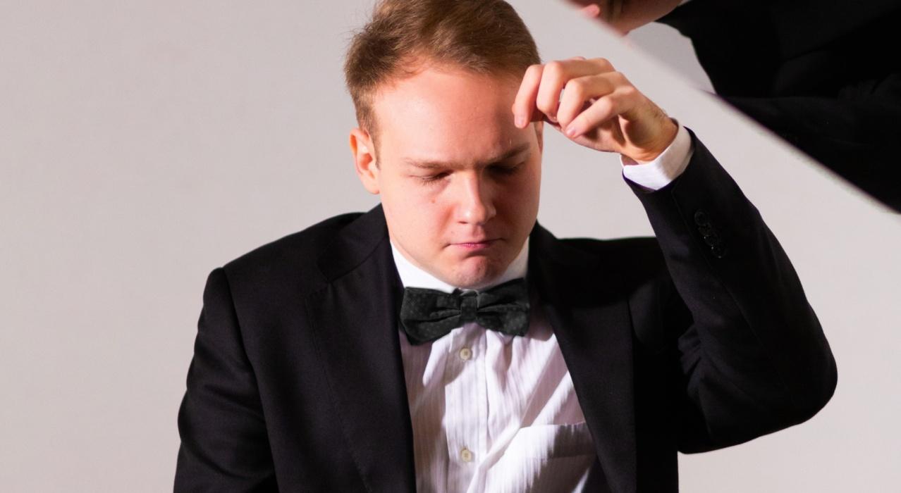 concerti bologna 2021 - Giovanni bertolazzi- pianoforte